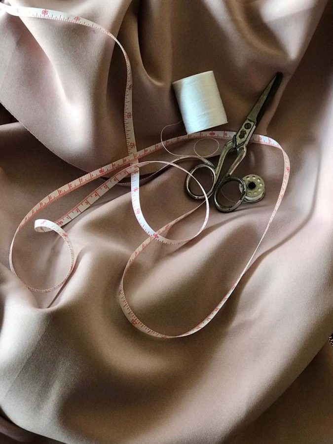 Sewing+you%E2%80%99re+own+clothing+is+a+cheap+and+environmentally+friendly+way+to+stay+fashionable.+Photo+Credit%3A+unsplash