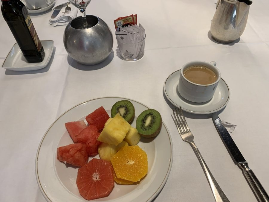A+breakfast+plate+of+kiwi%2C+watermelon%2C+pineapple%2C+grapefruit%2C+and+orange.+Photo+Credit%3A+Gabby+Lerner