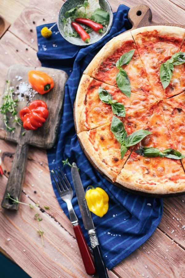 """Made with fresh ingredients, Alessio's Restaurant & Pizzeria never fails to provide a delicious meal for all to enjoy. Customers can feel assured that they are getting the """"real deal,"""" with their pizza fitting the perfect expectations and other unique dishes serving smiles as well. Photo by: Unsplash"""