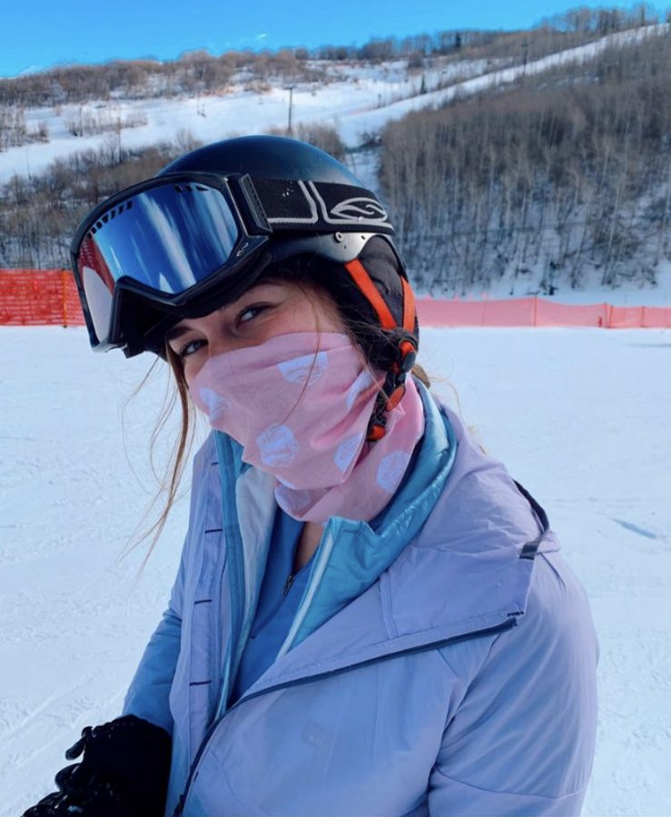 Ansley Tanner, Junior, goes skiing during winter break in Utah and is required to wear mask to prevent Covid-19. Photo credit: Ansley Tanner