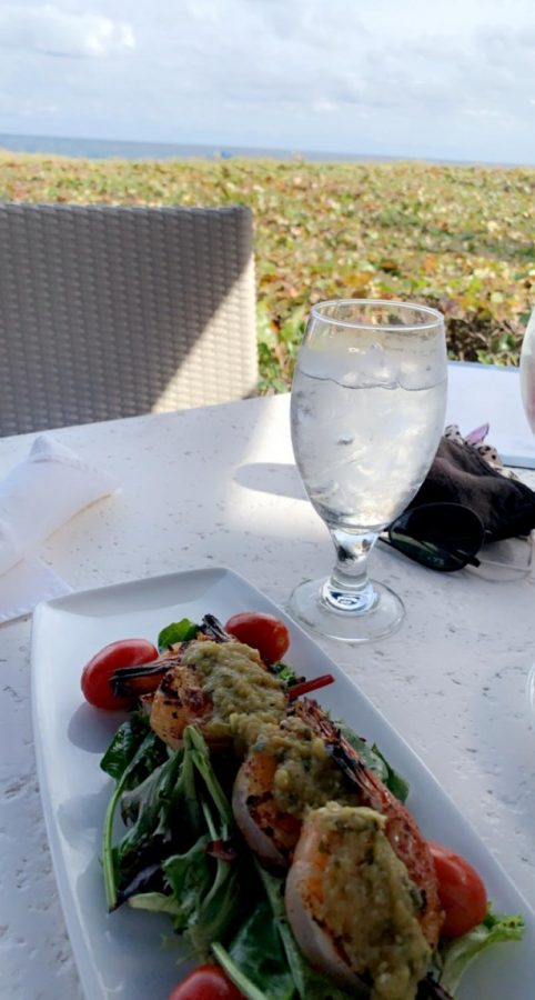 Beachside lunch at the Seagate Hotel beach club in Delray. (Credit: Cecilia Rubio)