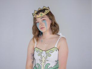 mxmtoon is the queen of being relatable , even if she doesn't win prom queen. Photo Credit: Moxie