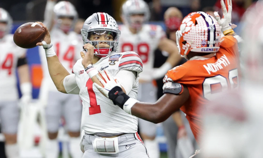 Ohio+State+Quarterback+Justin+Fields+moments+before+injury+level+hit+Photo+Cred%3A+Buckeyeswire