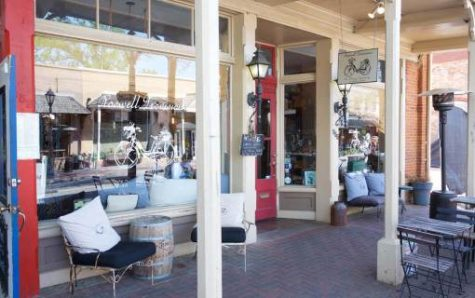 The beautiful outdoor seating arrangement of Roswell Provisions on Canton Street. (Credit: The City of Roswell)